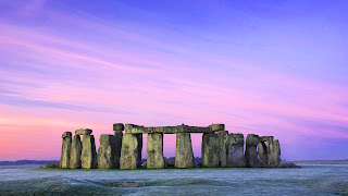 Stonehenge met paarse lucht