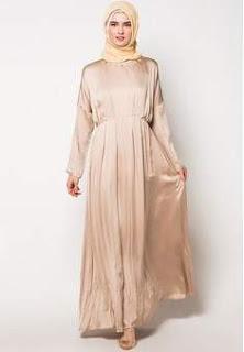 Baju Pesta Muslimah Ria Miranda Koleksi Terbaru Bulan Ini