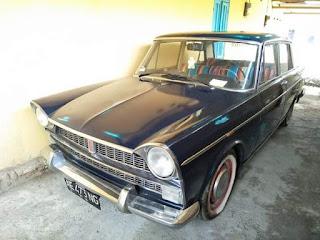 Sedan Fiat Antik Mobil Klasik Layak Dikoleksi