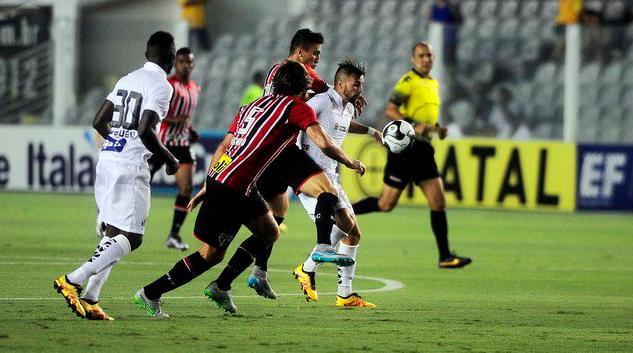 Em clássico dos desfalques, Santos cede empate dentro de casa