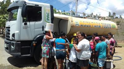 Prefeitura intensifica abastecimento de água através de carro-pipa