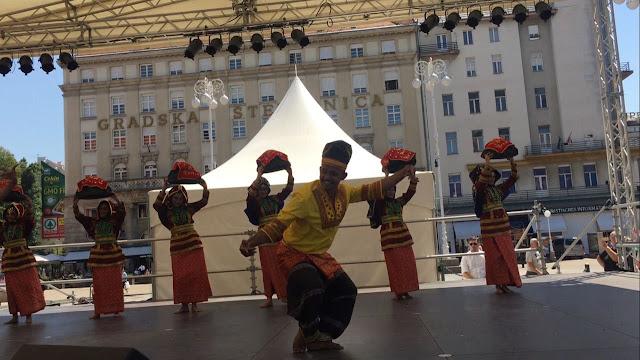 Sumbar Talenta saat tampil di Zagreb - Croatia. (Dok. Pribadi)