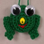 http://www.frommmetoyou.com/lighted-frog-ornament-free-pattern/