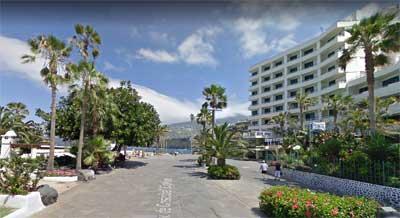 Edificio del H10 Tenerife Playa junto la Avenida de Colón