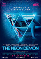 http://viaggiatricepigra.blogspot.it/2017/08/sabato-horror-neon-demon.html