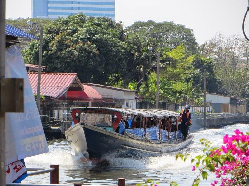 Лодка общественный транспорт Бангкок