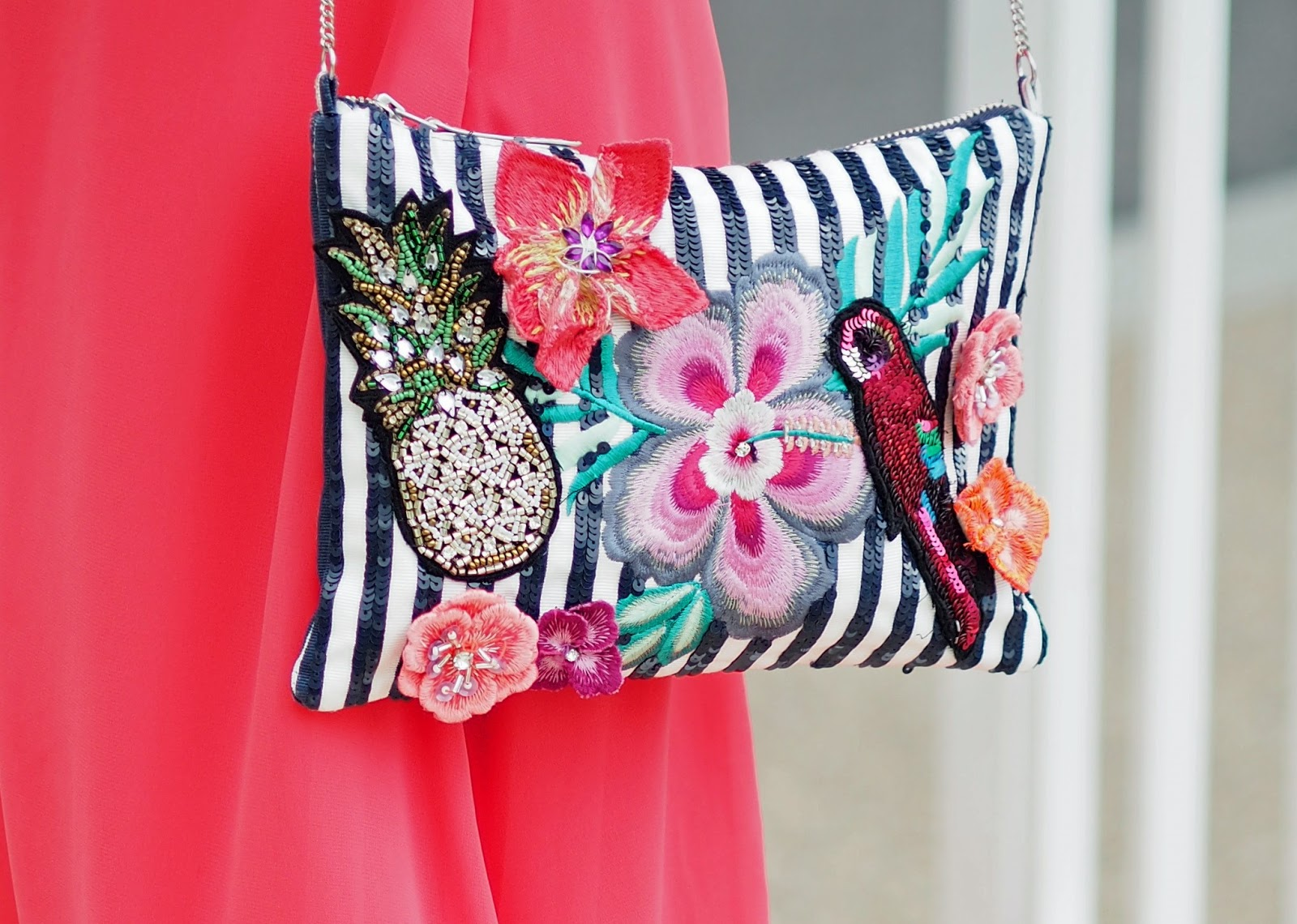 beaded-sequin-bag-pineapple-parrot