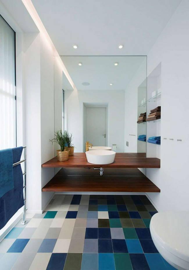 renkli banyo zemini