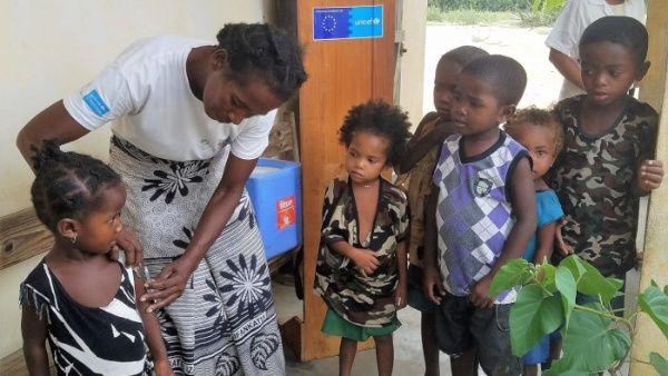 Unicef llama a detener alarmante oleada mundial de sarampión