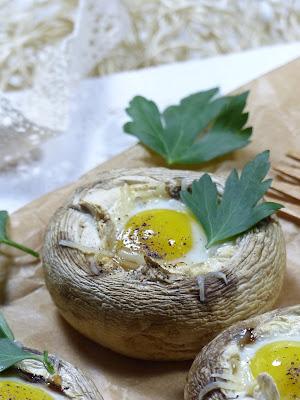 Champignons aux œufs de caille