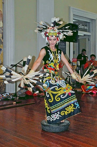 14 Tari Tradisional dari Kalimantan  Suku Dayak  TradisiKita