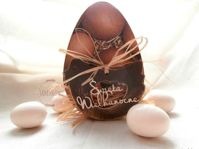 wielkanocne jajo z drewna