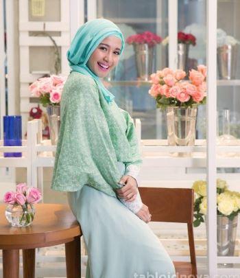 45+ Kreasi Model Baju Muslim Lebaran Trend 2018: Modis Elegan