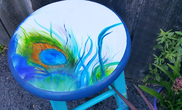 Peacock Stool quotCome On Let Your Colors Burstquot Redo  : redoityourselfinspirations2Bpeacock2Bstool from redoityourselfinspirations.blogspot.co.il size 640 x 388 jpeg 92kB