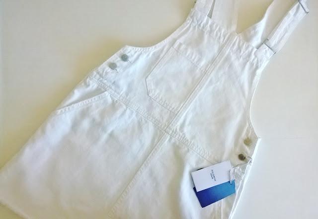 http://www.pullandbear.com/pl/pl/dla-niej/sukienki/jeansowa-sukienka-fartuszek-c29016p100069510.html#250