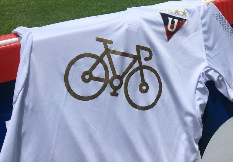 76519a8a8e LDU de Quito altera patrocínio em sua camisa - Show de Camisas