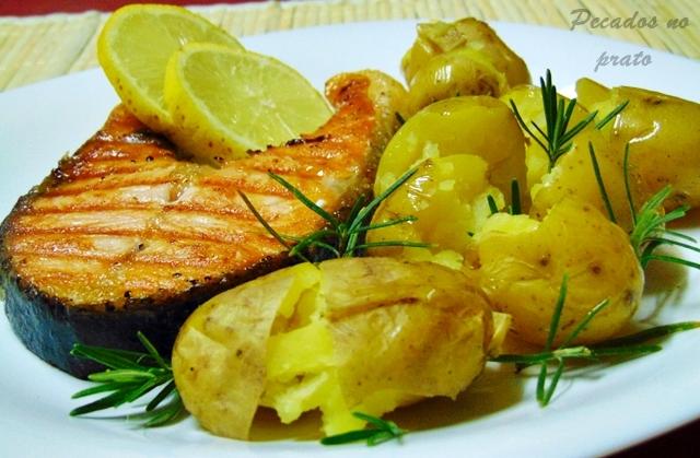 Salmão grelhado com limão