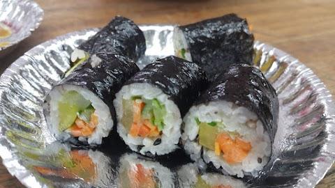 Mini Kimbap (Mayak Kimbap) Recipe