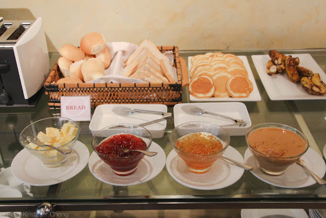 Breakfast Buffet of O Hotel