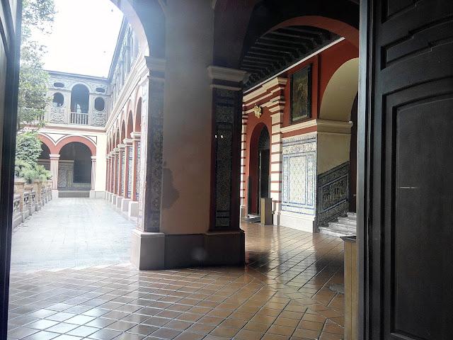 Claustro Basílica de Santo Domingo Lima
