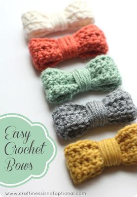 http://www.craftinessisnotoptional.com/2013/01/easy-crochet-bow-tutorialpattern.html