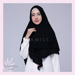 Hijab Amily Tsaudia Black