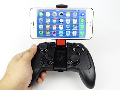 [開箱] CONTOUR iOS專用藍芽無線手遊電競手把 射擊遊戲還是要用搖桿比較好玩 DSC00439