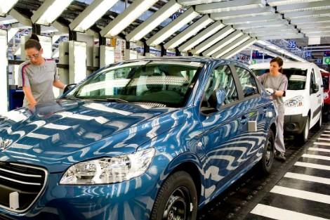 """دراسة: غالبية المغاربة يفضلون اقتناء سيارات بـ """"محركات اقتصادية"""""""