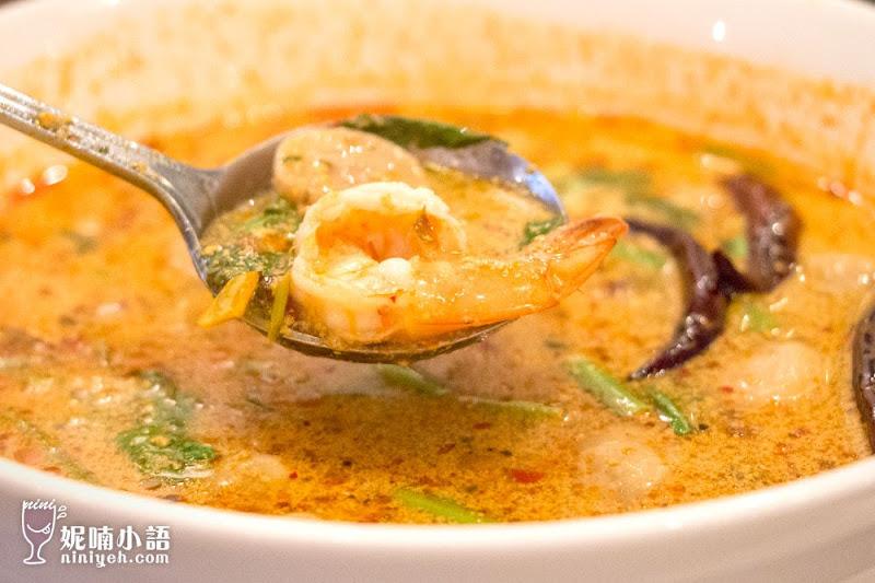 【曼谷美食】考山路 Tom Yum Kung 。喝過最有層次的酸辣蝦湯