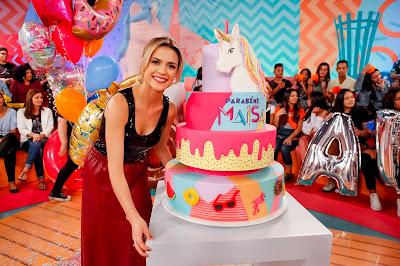Maisa ganha bolo personalizado por Beca Milano (Fotos: Gabriel Cardoso/SBT)