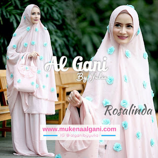2 Dokter barbie Tika  cantik wearing Mukena Najwa super duper Best Seller 😍