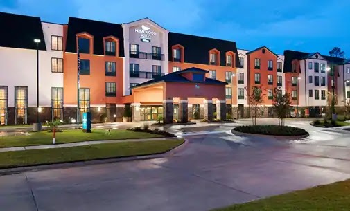 Feel at home in Slidell. Nestled on the popular North Shore of Lake Pontchartrain, the Homewood Suites by Hilton® Slidell features a modern townhouse design.