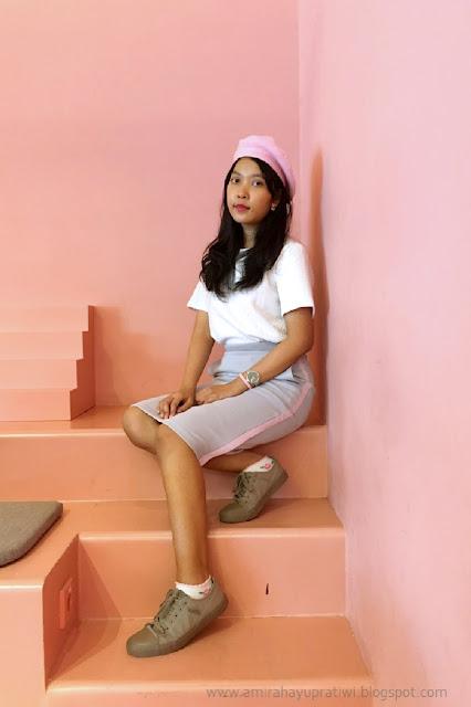 pink beret ootd