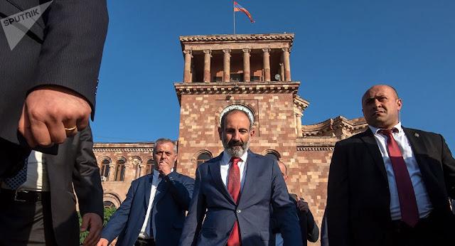 Pashinián afirma que Rusia debe adaptarse a la nueva realidad en Armenia