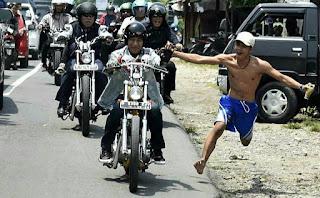 Foto UNIK Saat Jokowi Naik Chopper Ke Sukabumi