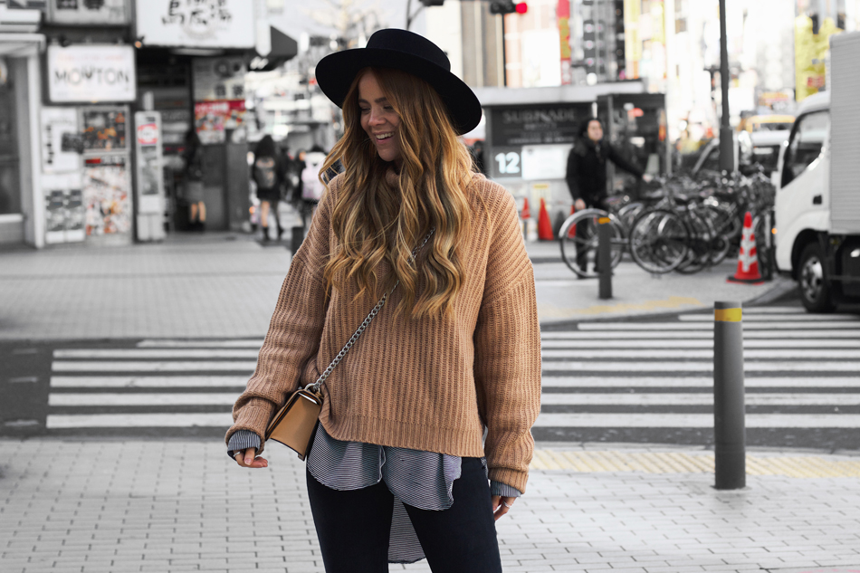 tokyo street style, winter outfit, chunky camel knit sweater, oroton forte bag, kiara king