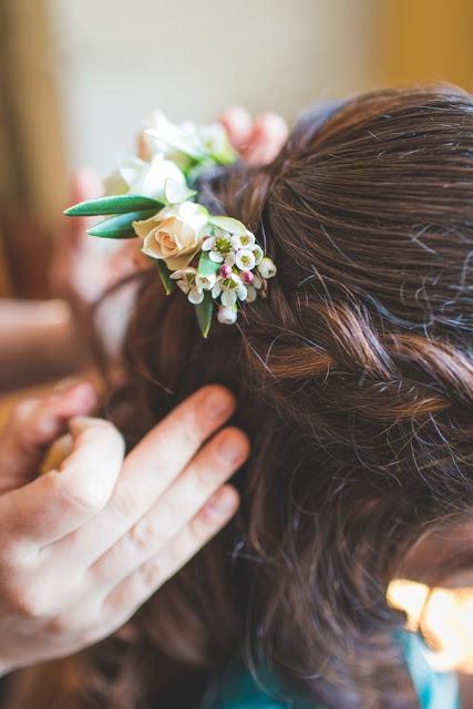 Fleuriste mariage Lyon, fleuriste mariage Rhône, barrette de fleurs