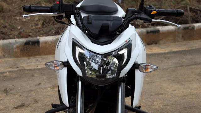 TVS Apache RTR 200 4V front view