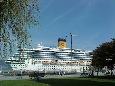 "-The cruise ship ""Costa Pacifica"" is moored next to the gardens of Montero Rios"