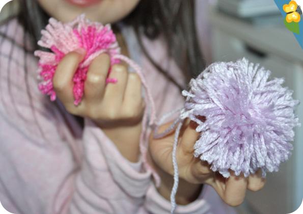 Atelier de pompons par Djeco