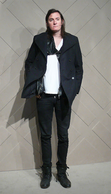 2167d234b1ff That hip British musician look in black and white at the Burberry Art Of The