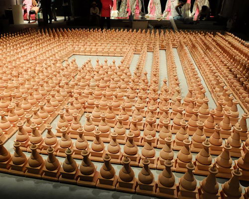 www.Tinuku.com Albert Yonathan Setyawan present terracotta pottery works Cosmic Labyrinth the Bells in SongEun ArtSpace