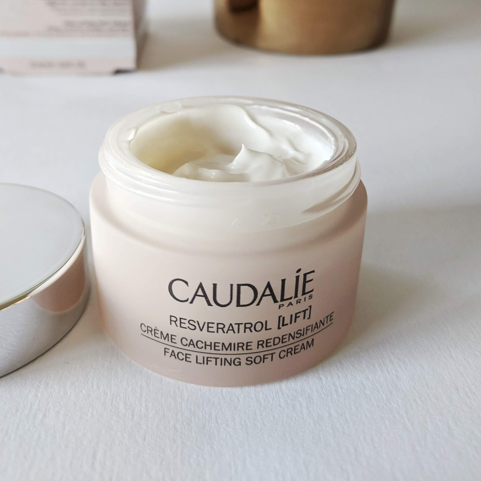 Image of a jar of Caudalie Resveratrol Lifting Cream - texture shot
