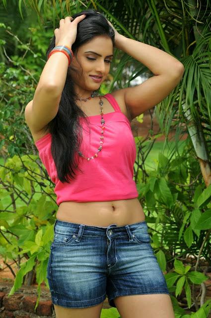 Rithu Kaur malayalam hot photo gallery