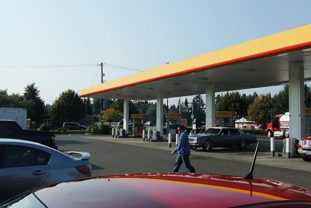 gas stand shell usa
