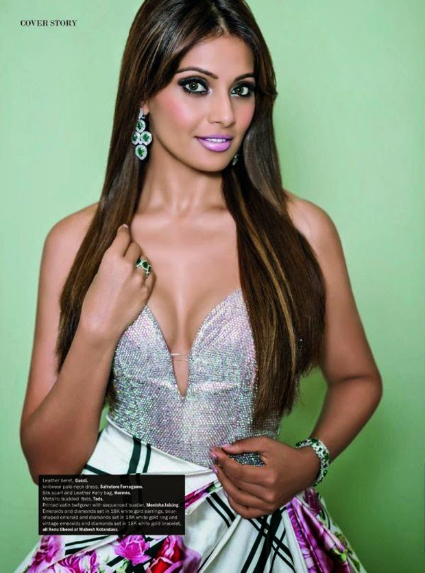http://www.funmag.org/bollywood-mag/bipasha-basu-photoshoot-for-noblesse-magazine-september-2014/