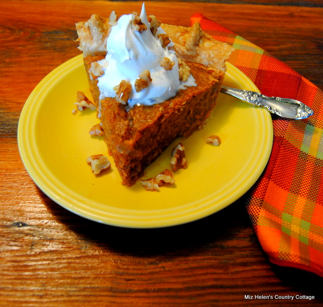 Southern Sweet Potato Pie at Miz Helen's Country Cottage