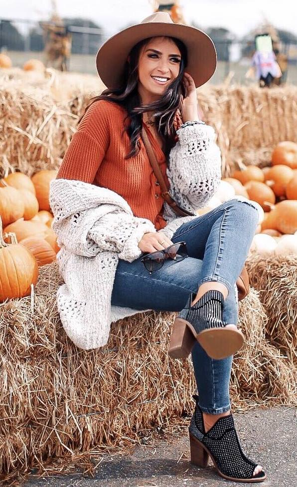 best outfit idea for this fall : hat + lace-up top + white cardigan + crossbody bag + boots + jeans