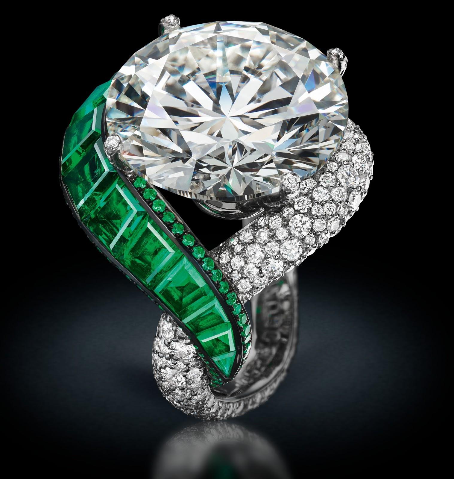 Jewelry News Network: White Diamonds Is the Focus Of de ...