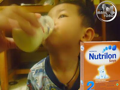 Gigin dan Nutrilon Soya 2... Untuk umur 6 - 12 Bulan